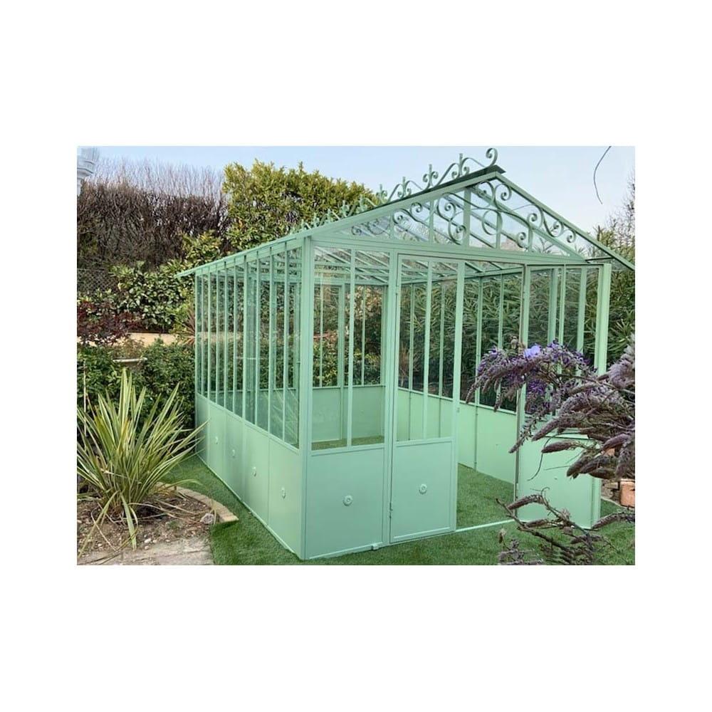 Serre d\'hivernage ou jardin d\'hiver, en fer peint et vitrée. standard  260*340 cm. Structure extérieure modulable.