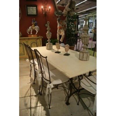 Ensemble de repas en pierre modèle ROMEO