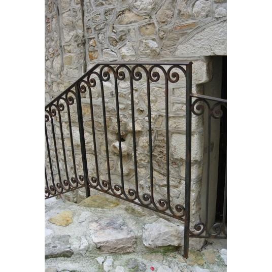 Garde corps, rampe d'escalier, balcon en fer forgé