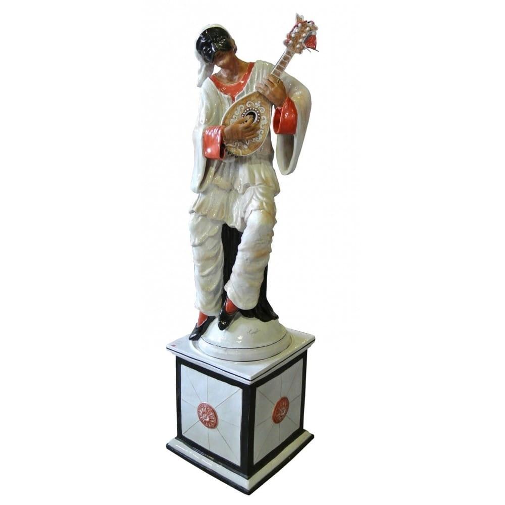 Statue Puccinella